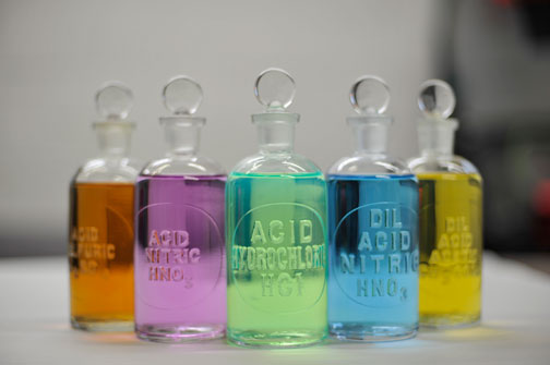 ETCHED GLASS REAGENT BOTTLES 250ML (8OZ)