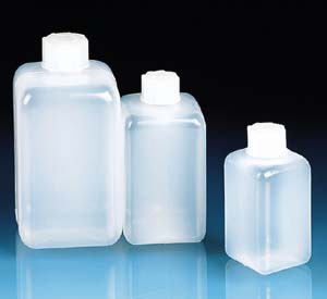 LDPE SQ. BOTTLE 250ML W/SCREW