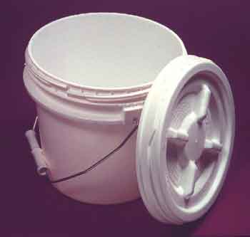 PAIL SCREW TOP 3-1/2 GAL/14QT WITH GASKET LID